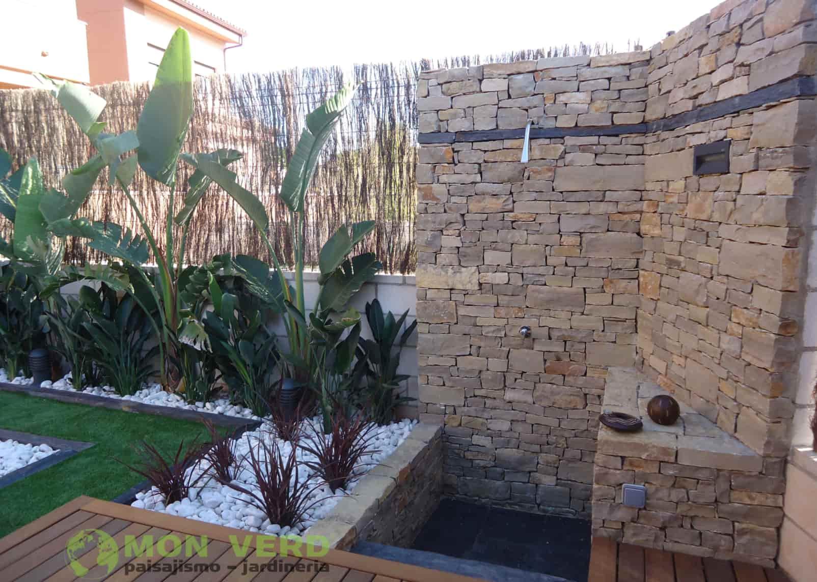 ducha exterior jardineria